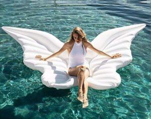 Colchoneta hinchable modelo alas blancas